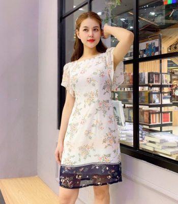 Đầm suông cổ vuông tay cánh tiên phối chân váy voan hoa màu đen hình 1