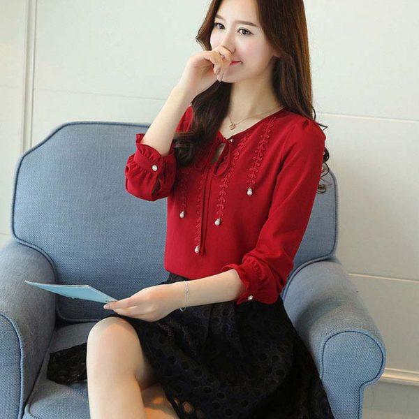 Áo kiểu phối ren đính ngọc trai cao cấp màu đỏ
