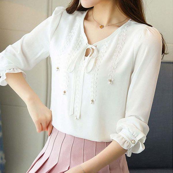 Áo kiểu phối ren đính ngọc trai cao cấp màu trắng